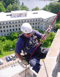 PHOTO - Glenn on Washington State Capitol Dome teaching rope rescue